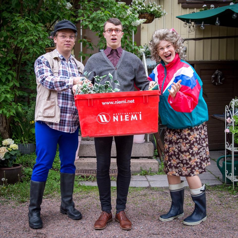Kuvassa Sakke ( Joonatan Perälä ), Patrik ( Arttu Soilumo ) ja Pirjo (Inke Koskinen ) Kuva Mikko Vihervaara